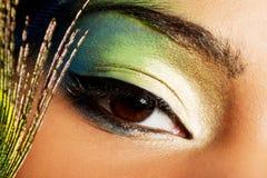 Mujer hermosa con maquillaje profesional Imagen de archivo