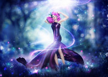 Mujer hermosa de la hada de la fantasía Fotografía de archivo libre de regalías