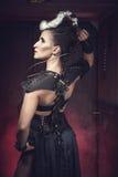 Mujer hermosa del guerrero Combatiente de la fantasía Foto de archivo libre de regalías