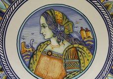 Mujer hermosa del renacimiento en una placa italiana Imagen de archivo libre de regalías