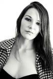 Mujer hermosa en blanco y negro foto de archivo