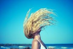 Mujer hermosa en el mar Imagenes de archivo