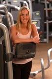 Mujer hermosa en gimnasia de la aptitud Fotos de archivo libres de regalías