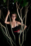 Mujer hermosa en la máscara del partido al aire libre Foto de archivo libre de regalías