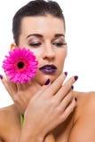 Mujer hermosa en maquillaje púrpura imágenes de archivo libres de regalías
