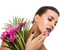 Mujer hermosa en maquillaje púrpura fotografía de archivo