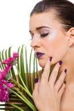 Mujer hermosa en maquillaje púrpura fotos de archivo libres de regalías