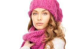 Mujer hermosa en sombrero del invierno imágenes de archivo libres de regalías