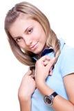 Mujer hermosa en una camiseta azul Imagen de archivo libre de regalías