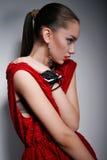Mujer hermosa en vestido rojo Imagen de archivo libre de regalías