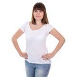 Mujer hermosa feliz del tamaño extra grande en la camiseta blanca en blanco aislada Fotografía de archivo libre de regalías