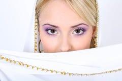 Mujer hermosa joven con los ojos marrones Imagenes de archivo