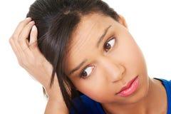 Mujer hermosa joven en la depresión. Fotografía de archivo