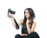 Mujer hermosa joven que hace el autorretrato sobre w Imagen de archivo