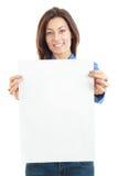 Mujer hermosa que celebra la sonrisa en blanco de la bandera del tablero fotografía de archivo