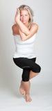 Mujer hermosa que hace yoga Imagenes de archivo