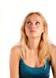 Mujer hermosa que mira para arriba, porciones de copyspace Fotos de archivo libres de regalías