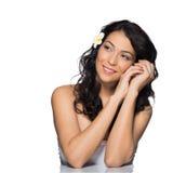 Mujer hermosa que sueña despierto imagen de archivo libre de regalías