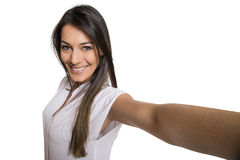 Mujer hermosa que toma la imagen del uno mismo con la cámara del smartphone Imagenes de archivo
