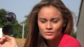 Mujer hispánica joven metrajes
