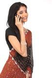 Mujer india con el teléfono celular Imagen de archivo