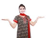 Mujer india en ropa tradicional Fotos de archivo