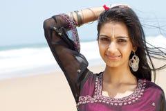 Mujer india feliz fotos de archivo