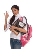 Mujer india joven del estudiante universitario con el morral Fotografía de archivo