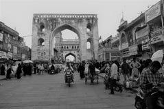 Mujer india que vende las especias en Charminar, Hyderabad Imagenes de archivo