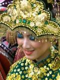 Mujer indonesia en el festival de arte imagen de archivo libre de regalías