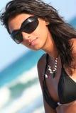 Mujer italiana atractiva de las gafas de sol Fotografía de archivo