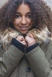 Mujer joven afroamericana de la raza mixta hermosa Imágenes de archivo libres de regalías