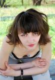 Mujer joven al aire libre fotografía de archivo