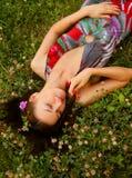 Mujer joven al aire libre Fotografía de archivo libre de regalías