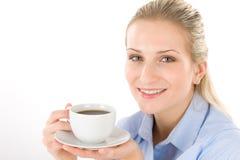 Mujer joven alegre con café Fotos de archivo