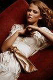 Mujer joven atractiva Fotos de archivo
