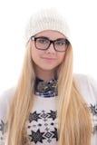 Mujer joven atractiva en la ropa caliente del invierno aislada en blanco Fotografía de archivo libre de regalías