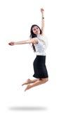 Mujer joven atractiva que salta en el aire Fotos de archivo