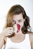 Mujer joven con café Imagenes de archivo