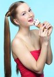Mujer joven con helado Fotos de archivo