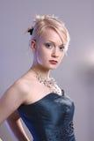 Mujer joven con la alineada del baile de fin de curso Imagen de archivo libre de regalías