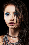 Mujer joven con la cara hermosa y el pelo mojado Imágenes de archivo libres de regalías