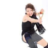 Mujer joven con la catapulta Foto de archivo libre de regalías