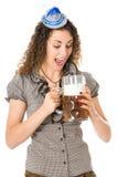 Mujer joven con la cerveza Imágenes de archivo libres de regalías