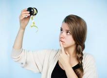 Mujer joven con la cinta Imágenes de archivo libres de regalías