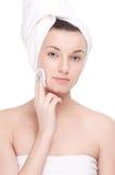 Mujer joven con la piel perfecta de la salud de la cara Foto de archivo libre de regalías