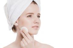 Mujer joven con la piel perfecta de la salud de la cara Fotografía de archivo libre de regalías