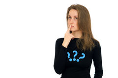 Mujer joven con la pregunta de la expresión sobre la cara aislada en blanco Fotografía de archivo