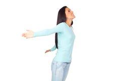 Mujer joven con los brazos abiertos de par en par Imagen de archivo libre de regalías