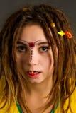 Mujer joven con los dreadlocks Fotografía de archivo